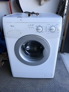Laveuse sécheuse whirlpool washer dryer 24po