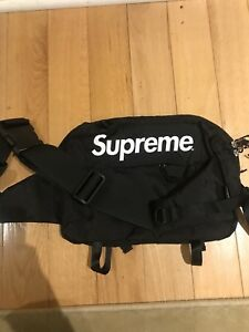 SUPREME X CODURA MESSENGER BAG