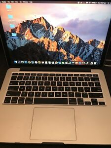 MacBook Pro (Retina, 13-inch, 2015) Hard case and charger included