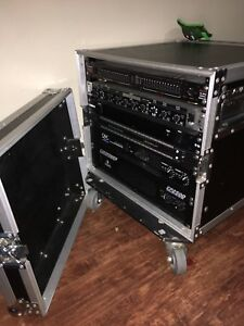Rack with speaker