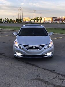 2011 Hyundai Sonata 2.0T Limited W/Nav - Very Clean