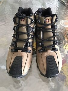 Merrell hiking boots- size 6.5 (7)