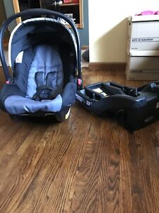 Graco snugride 30 click connect (doesn't expire for over 5 yrs)