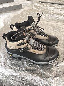 Mens Merrell Continuum winter boots mint!!