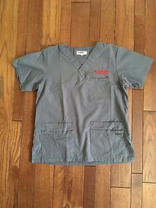 Seneca College Vet Tech Scrubs and Lab Coat size Small