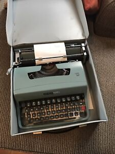 Olivetti Underwood Aqua Typewriter & Case