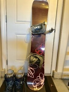 Girls/women's snowboard