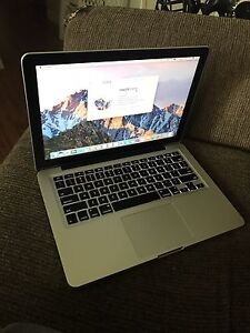 """Mid 2012 MacBook Pro 13"""" Great Condition 130 Cycles"""