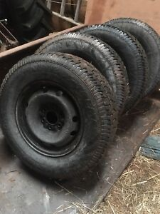 265/70R/17 Studded Winter Tires
