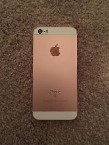 iPhone SE 16GB Bell/Virgin 9.5/10 Condition