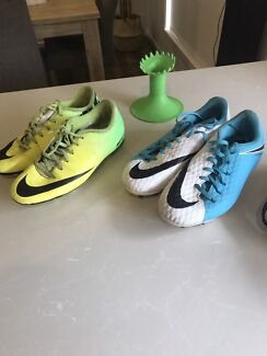 2 pairs of size 6 soccer boots + a super tee