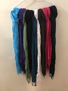 Le chateau scarves