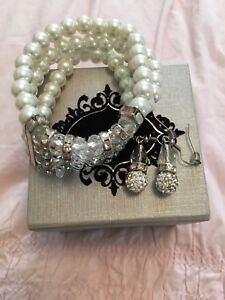 Brand New, Bittersweet Jewellery Set: Pearl Bracelet + Earrings