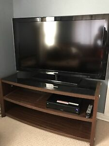 "46"" Samsung LCD TV and stand 1080P"