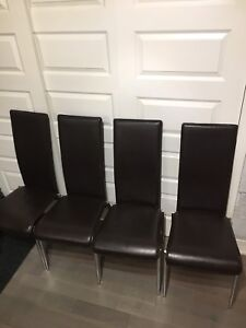 4 Structube brown leather chairs/ chaise cuir brune