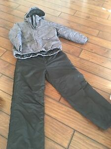 Woman's snow suit New with tags