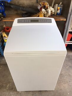 Fisher and paykel 7 kg Aqua smart washing machine 2 YEARS OLD!