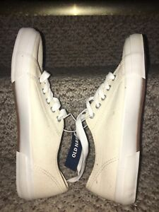 NEW Old Navy Canvas Sneakers Size 7