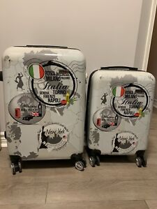 Set of luggage small size and carry on