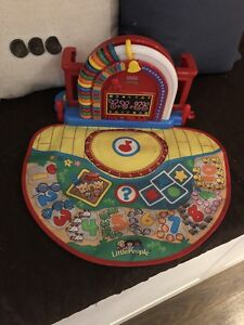 Fisher price little people learning toy