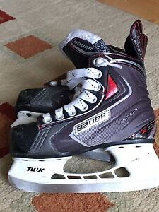 BAUER X40 YOUTH HOCKEY SKATES