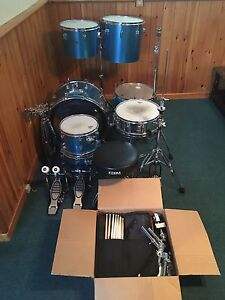 Drum set for sale *no cymbals*