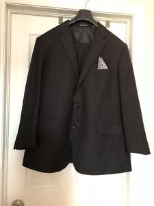 ***LIKE NEW TIP-TOP TAILOR 3 pc BACK SUIT***