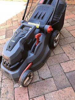 Ozito Electronic Lawnmower