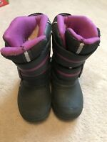 Toddler snow boots.