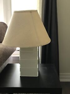 Beautiful table lamp. Excellent condition.