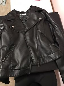 H&M FAUX LEATHER JACKET WITH ZIPPERED POCKETS