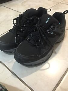 Barely used FILA shoes size 7