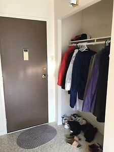 Bedroom for rent close to university