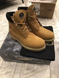 OVO x TIMBERLAND BOOTS SIZE 9 DS IN BOX