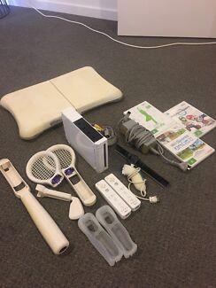 Nintendo Wii Bundle - Fantastic Condition