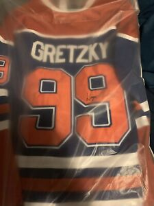 huge discount 098e7 7500a Wayne Gretzky Jersey Signed | Kijiji in Ontario. - Buy, Sell ...