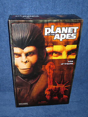 Sideshow Collectibles - Planet of the Apes - Zira - 12 inch figure