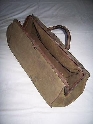 Alte Arzt-oder Hebammen Tasche