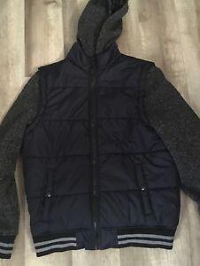 Men's size m hoodie vest, brand new