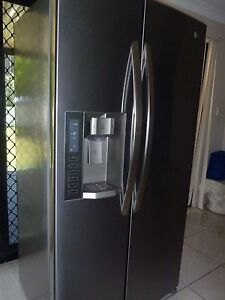 STAINLESS STEEL LG FRIDGE/FREEZER 693L GREAT CONDITION Calamvale Brisbane South West Preview