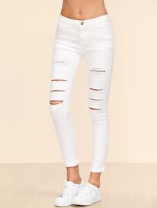 WHITE JEANS!!