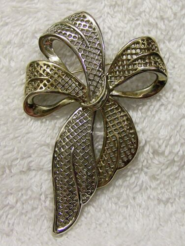 CLASSIC PIN BROOCH WHIMSICAL BOW RIBBON SATIN TRIMMING TIE GOLD & SILVER T VL-AO