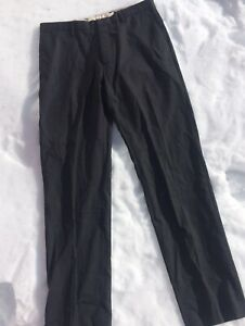 New Men's 100% wool pants (size 33 x 34)