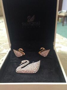 SWAROVSKI CRYSTAL SWAN BROOCH AND EARRINGS