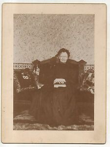 Old-Victorian-Lady-with-Bible-Crone-Original-ca-1900-Antique-Photograph
