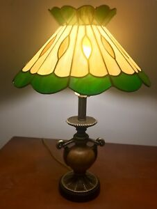 Beautiful vintage Tiffany style light