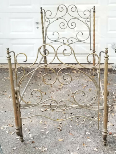 DRAMATIC ANTIQUE 19c. TWIST COLUMN  IRON AND BRASS FINIAL BED