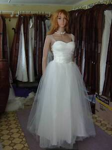 Low price deb dress,wedding gown,lace up back,size 6 8 10 on sale Frankston South Frankston Area Preview