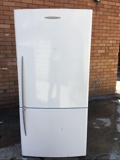 **FISHER&PAYKEL PERFECT CONDITION**FREE DELIVERY**OFFERS?**