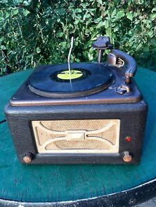 WORKING - 1946 Viking Record Player w Records (Plays 78's) - $50